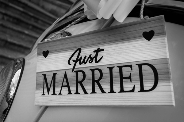 Love_JustMarried_BW
